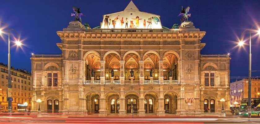Vienna, Austria - Opera house in the evening.jpg